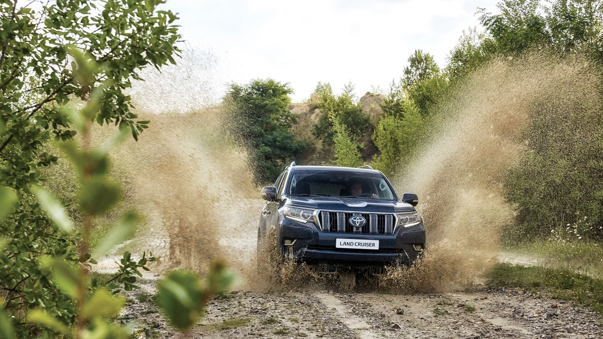 Обновленный Toyota Land Cruiser Prado представили во Франкфурте
